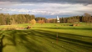 golf-course-1035432_960_720